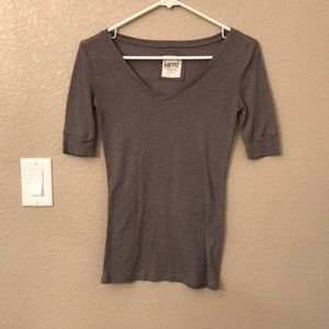 Gray fitted t-shirt